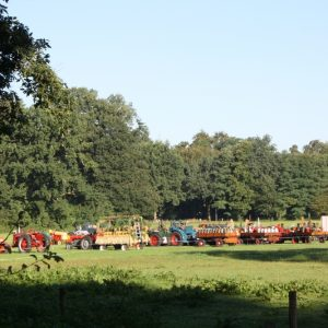 (1) Verzamelen bij Hoekelum (Foto: Lieke Rozeboom)