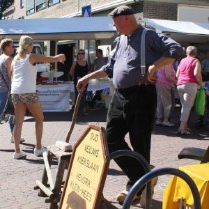 (90) Oude ambachten in de Kerkstraat (Foto: Lieke Rozeboom)