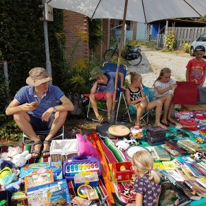 (131) Kindervlooienmarkt (Foto: John Huiskes)