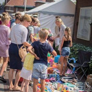 (125) Kindervlooienmarkt (Foto: Maaike van den Brink)
