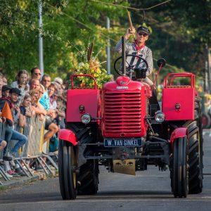 (183) Ringsteken tractoren (Foto: Maaike van den Brink)